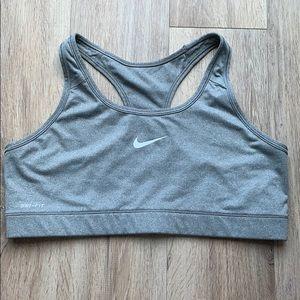 ✔️ Retired Nike pro sports bra